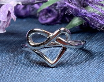 Celtic Heart Ring, Celtic Jewelry, Irish Jewelry, Celtic Knot Jewelry, Irish Dance Gift, Mom Gift, Anniversary Gift, Bridal Ring, Wiccan