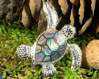 Turtle Necklace, Nature Necklace, Ocean Jewelry, Graduation Gift, Anniversary Gift, Sea Turtle Necklace, Mom Gift, Nautical Jewelry, Abalone
