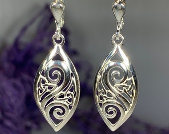 Trinity Knot Earrings, Celtic Jewelry, Irish Jewelry, Bridal Jewelry, Anniversary Gift, Mom Gift, Wife Gift, Ireland Gift, Wiccan Jewelry