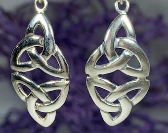 Trinity Knot Earrings, Celtic Jewelry, Irish Jewelry, Triquetra Earrings, Celtic Knot Jewelry, Bridal Jewelry, Scotland Jewelry, Mom Gift