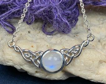 Celtic Knot Necklace, Mother's Knot Jewelry, Irish Jewelry, Ireland Gift, Scotland Jewelry, Anniversary Gift, Love Knot Necklace, Mom Gift
