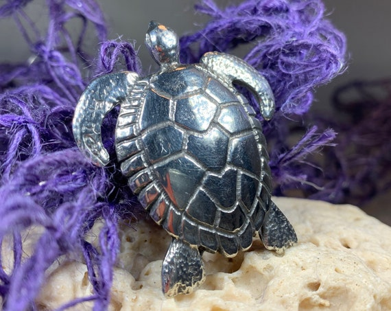 Turtle Brooch, Ocean Jewelry, Sea Turtle Gift, Nature Jewelry, Animal Jewelry, Mom Gift, Girlfriend Gift, Sea Jewelry, Sea Turtle Pin