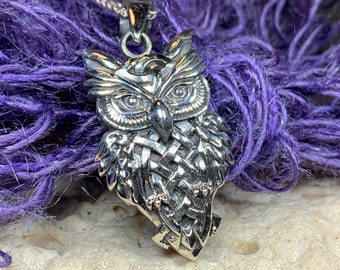 Owl Necklace, Owl Gift, Bird Pendant, Nature Jewelry, Forest Jewelry, Pagan Jewelry, Mystical Jewelry, Gift for Her, Graduation Gift