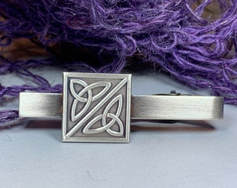 Trinity Knot Tie Bar, Celtic Jewelry, Irish Jewelry, Celtic Knot Jewelry, Dad Gift, Groom Gift, Best Man Gift, Celtic Tie Clip