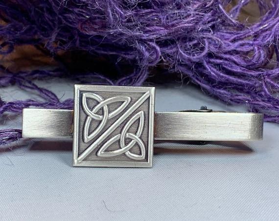 Trinity Knot Tie Bar, Celtic Jewelry, Irish Jewelry, Celtic Knot Jewelry, Dad Gift, Groom Gift, Best Man Gift, Celtic Tie Clip
