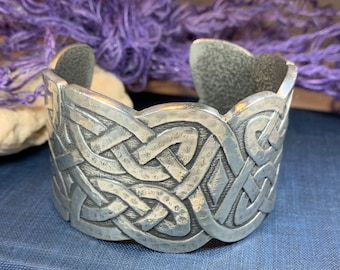 Celtic Knot Bracelet, Celtic Jewelry, Irish Bangle Bracelet, Scotland Jewelry, Ireland Jewelry, Celtic Cuff, Wife Gift, Girlfriend Gift