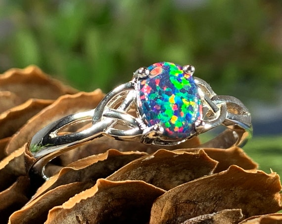 Celtic Magic Celtic Ring, Celtic Jewelry, Irish Jewelry, Opal Jewelry, Trinity Knot Jewelry, Anniversary Gift, Bridal Jewelry, Mom Gift