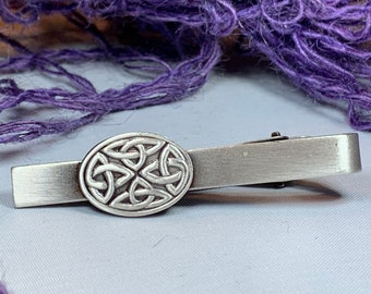 Trinity Knot Tie Bar, Celtic Jewelry, Irish Jewelry, Dad Gift, Celtic Knot Jewelry, Men's Jewelry, Groom Gift, Celtic Tie Clip, Ireland Gift