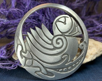 Puffin Brooch, Celtic Pin, Scotland Jewelry, Celtic Pin, Celtic Jewelry, Bridal Jewelry, Bird Jewelry, Nature Jewelry, Wife Gift