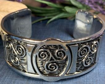 Celtic Knot Pewter Bracelet, Celtic Jewelry, Bangle Bracelet, Scotland Jewelry, Ireland Jewelry, Wife Gift, Girlfriend Gift, Sister Gift