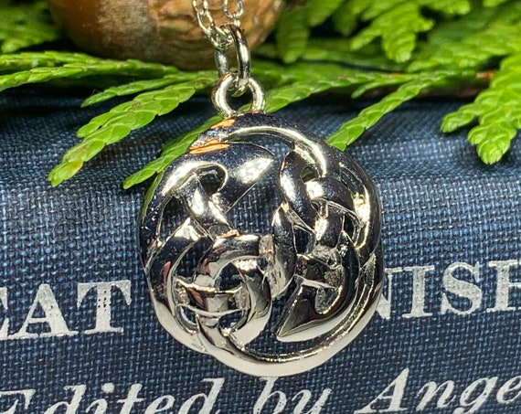 Celtic Knot Necklace, Scotland Necklace, Pewter, Love Knot, Wedding Necklace, Outlander Inspired, Sister, Wife, Mother