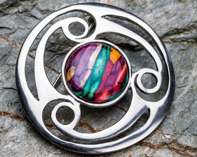 Scotland Brooch, Triskele, Celtic Pin, Scotland Pin, Scarf Pin, Coat Pin, Celtic Jewelry, Heather Jewelry, Kilt Pin, Mothers Day Gift