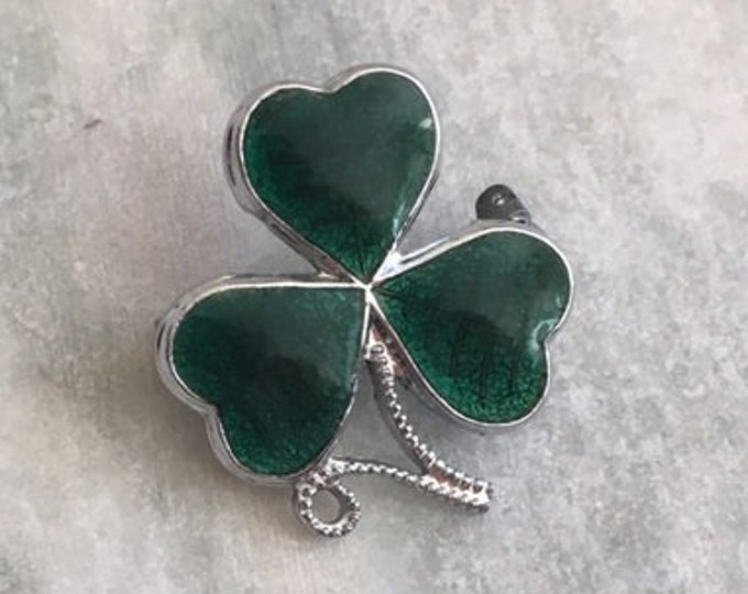 Shamrock Celtic Brooch, Clover Pin, Celtic Pin, Irish Pin, Coat Pin, Scarf Pin, Celtic Jewelry, Clover Brooch, Nature Jewelry, Enamel Pin