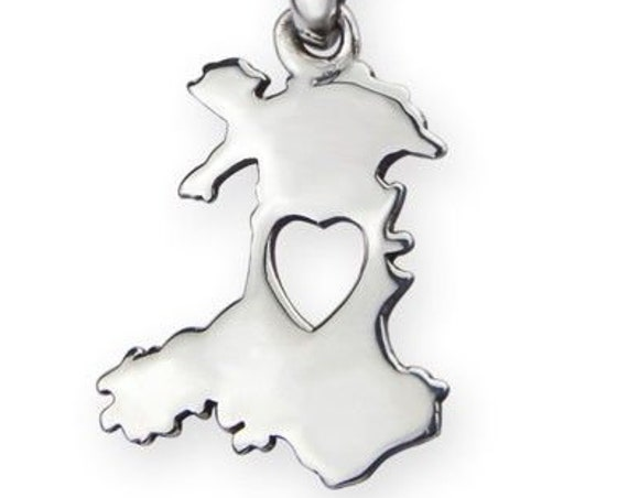 Welsh Celtic Necklace, Heart, Wales, Celtic Jewelry, Gift for Her, United Kingdom, Travel, Map of Wales