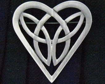 Heart Brooch, Celtic Jewelry, Celtic Knot Pin, Valentine's Gift, Celtic Pin, Mom Gift, Anniversary Gift, Trinity Knot Pin, Friendship Gift