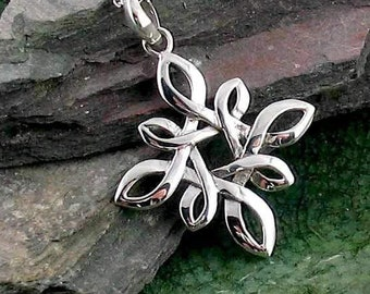 Star Knot Necklace, Irish Jewelry, Celtic Jewelry, Scotland Jewelry, Anniversary Gift, Mom Gift, Wife Gift, Norse Jewelry, Celtic Knot