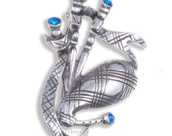 Bagpipes Brooch, Celtic Brooch, Scotland Jewelry, Irish Jewelry, Dad Gift, Highland Dance Gift, Bagpiper Gift, Scotland Jewelry