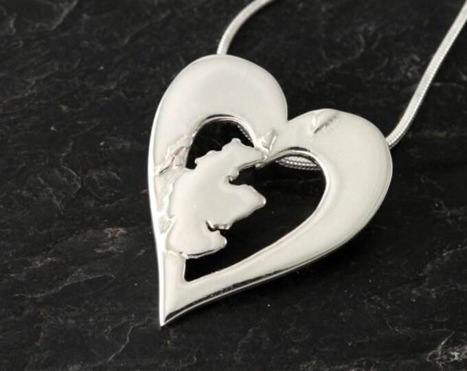 Scotland Necklace, Outlander Jewelry, Traveler Gift, Scotland Heart Pendant, Heart Jewelry, Celtic Jewelry, Scottish Pendant, Map Jewelry