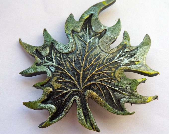 Maple Leaf Pin, Celtic Brooch, Nature Jewelry, Mom Gift, Woodland Jewelry, Tree Jewelry, Wiccan Jewelry, Forest Jewelry, Girlfriend Gift