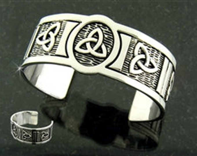 Trinity Knot Pewter Bracelet, Celtic Jewelry, Bangle Bracelet, Scotland Jewelry, Ireland Jewelry, Wife Gift, Girlfriend Gift, Sister Gift