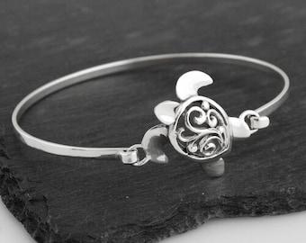 Celtic Turtle Bracelet, Celtic Jewelry, Ireland Jewelry, Turtle Bangle, Animal Jewelry, Girlfriend Gift, Wife Gift, Nautical Jewelry