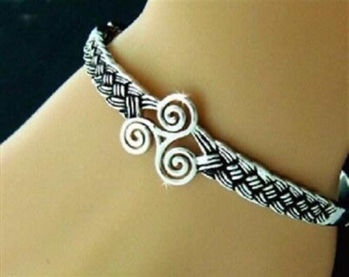 Triskele Celtic Bracelet, Celtic Jewelry, Irish Jewelry, Wiccan Jewelry, Pagan Jewelry, Ireland Gift, Wife Gift, Mom Gift, Triquetra