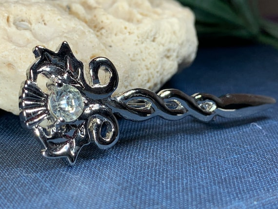 Thistle Brooch, Celtic Jewelry, Thistle Pin, Scotland Gift, Tartan Pin, Scotland Jewelry, Celtic Pin, Outlander Jewelry, Coat Pin, Mom Gift