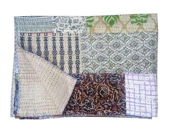 Patchwork Kantha Quilt, Vintage Patchwork Silk Sari quilt, Embroidery Quilt, Bedspread, Blanket, Coverlet, Bed sheet, Indian Patola quilt
