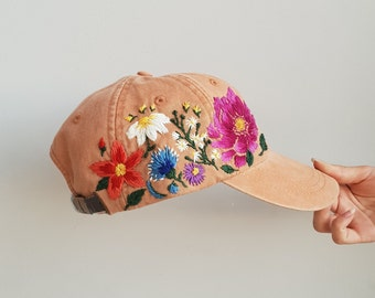 Hand Embroidered Baseball Hat for Women Custom Embroidered Flowers Baseball Cap for Women Birthday Gift for Mom Personalized Gift fot Her