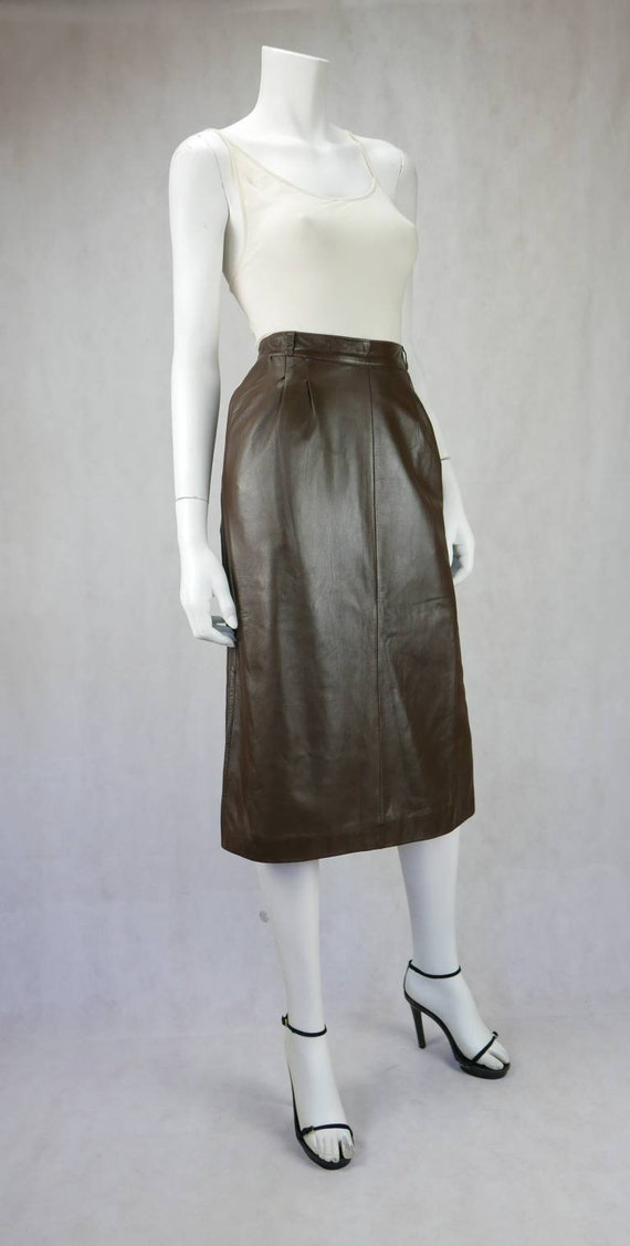 1970's Gucci soft lamb leather skirt - image 2