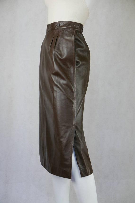 1970's Gucci soft lamb leather skirt - image 6