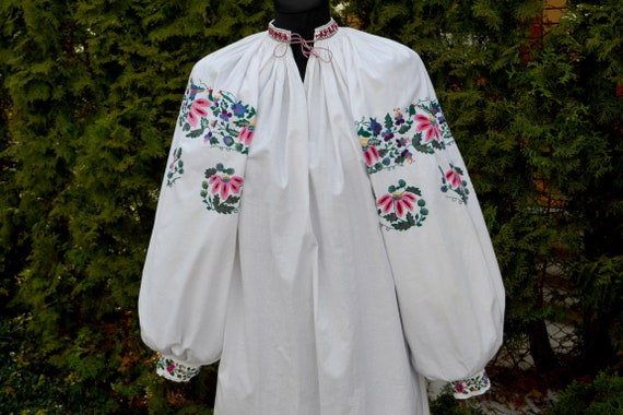 Peasant Blouse / Ukrainian embroidery Vyshyvanka /