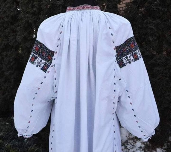 Black/red Ukrainian dresses for bright and colour… - image 2