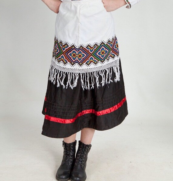ukrainian folk apron costume ukrainian folk  Embro