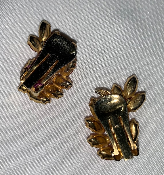 Vintage Mid-Century Earrings FREE SHIPPING in the US-Vintage Black Clip-on Earrings