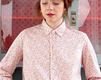 ed35ddb80e5 Vintage Blouse 70s Floral S Summer Shirt Long Sleeved Button Down  Millefleurs White Pink Green Cropped Boxy Fit