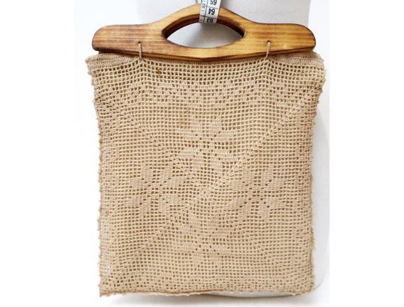 1960s beige crochet hand bag for women with wooden