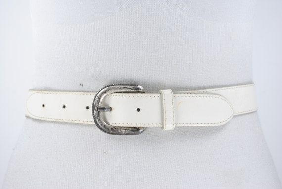 White antique buckle leather belt -  antique metal