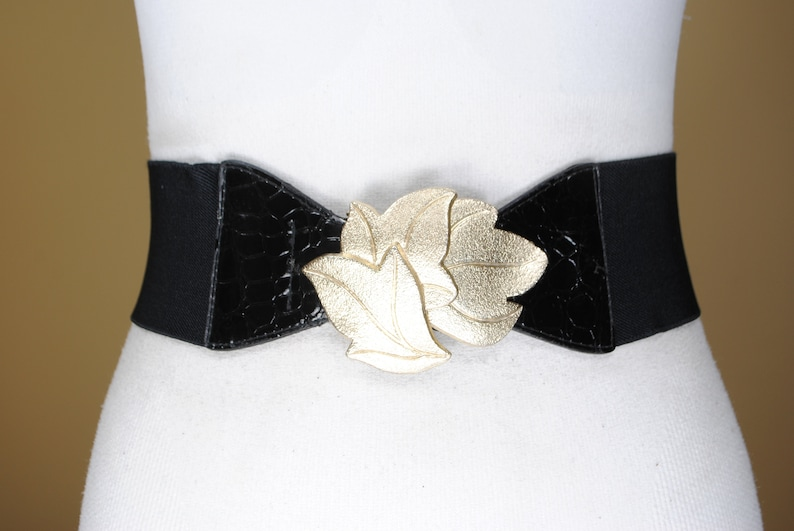 Golden Leaves Buckle 1980s 36/'/'-43/'/' Patent Black Stretch Belt for women with Gold Leaf Buckle