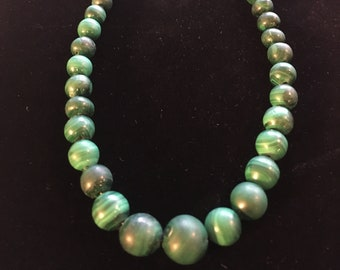 Malachite graduated necklace, uncoated beads