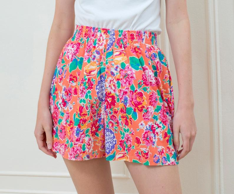 80s pink floral cotton hi rise shorts medium  flower print image 0