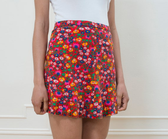 print skirt flower psychedelic skirt floral red 1970s skirt print vintage mini a mini line 70s hippie red skirt rainbow skirt A7P88WBT