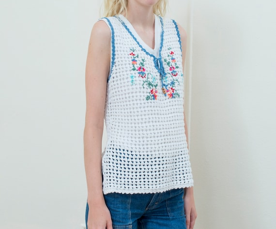 90s white crochet hippie sweater vest - image 3