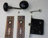 Antique Set EASTLAKE Backplates Black Porcelain Door Knobs Mortise Lock w Key