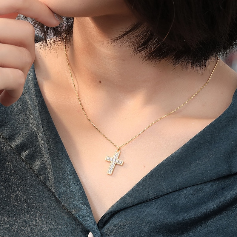 PERIMADE 18K Gold Plated Sterling Silver Faux Diamond Cross Pendant Mother/'s Day Gift Gold Cross Necklace for Women