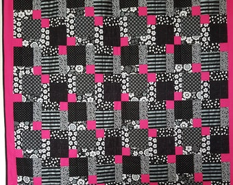 Black, White and Pink All Over - Quilt Kit