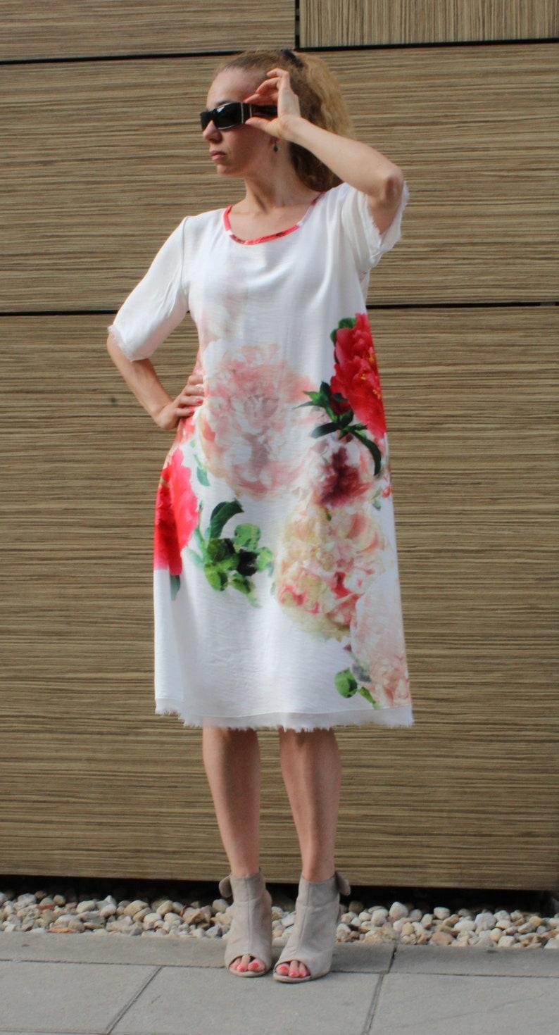 White Oversized Dress Woman Loose Baggy Dress Extravagant Dress Plus Size  Dress Asymmetric Dress Summer Short Sleeve Floral Minimalist Tunic