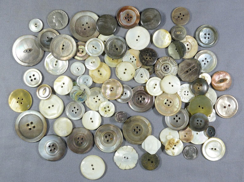 AntiqueVintage Mother-Of-Pearl Buttons-Lot2