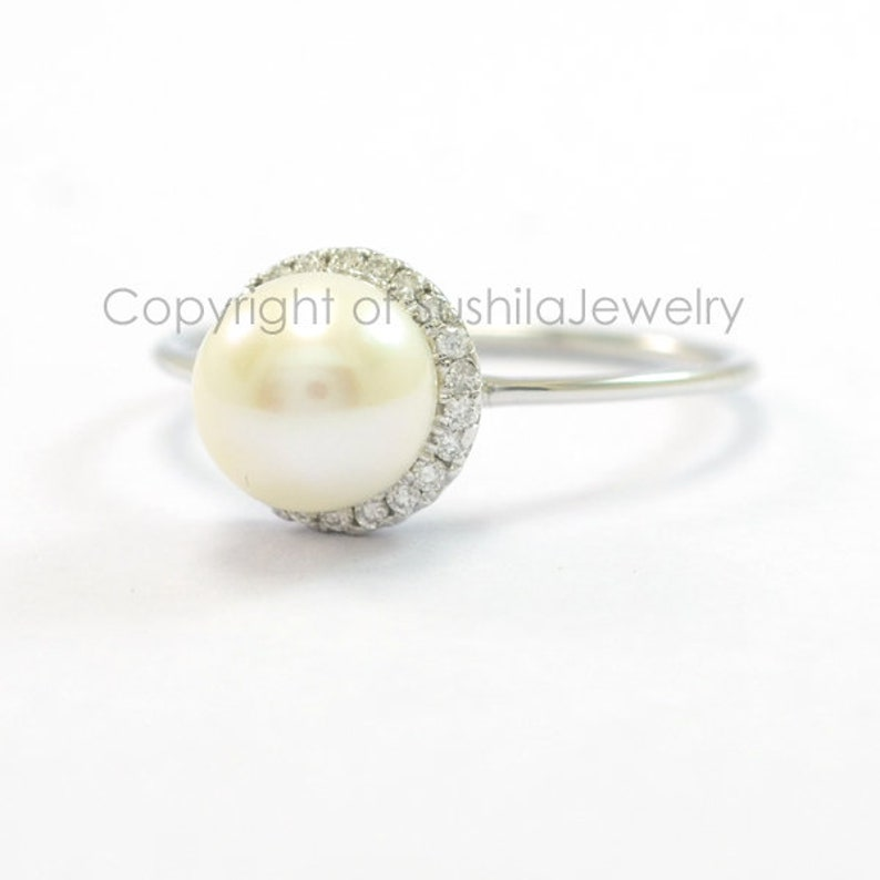 Fresh Water Natural Pearl Genuine SI Clarity G-H color Diamond Engagement Wedding Ring in 14k Yellow Gold Handmade Minimalist Jewelry