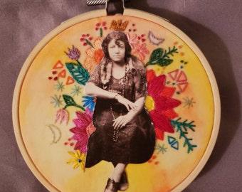 Gypsy Queen 4'' Hoop